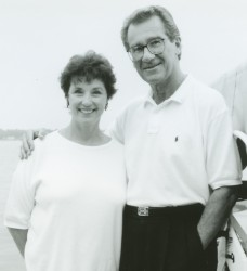 Photo of Joan and Lyle Middleton