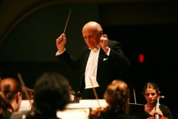 photo of John Canarina conducting the Orchestra