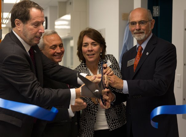 Drake's College of Arts and Sciences celebrates Lacy Organic Lab Dedication