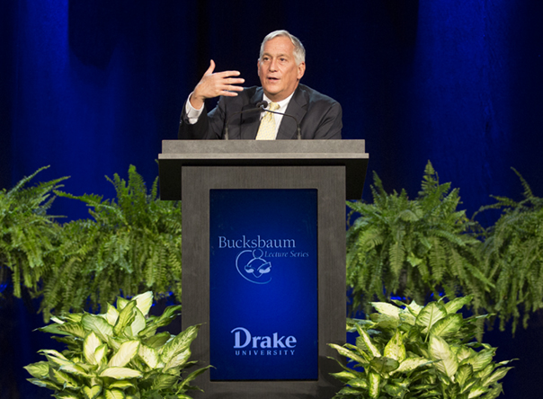 Biographer Walter Isaacson delivers 32nd Bucksbaum lecture