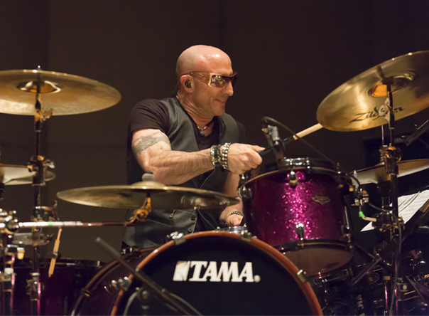 Rock drummer Kenny Aronoff plays free concert at Drake University