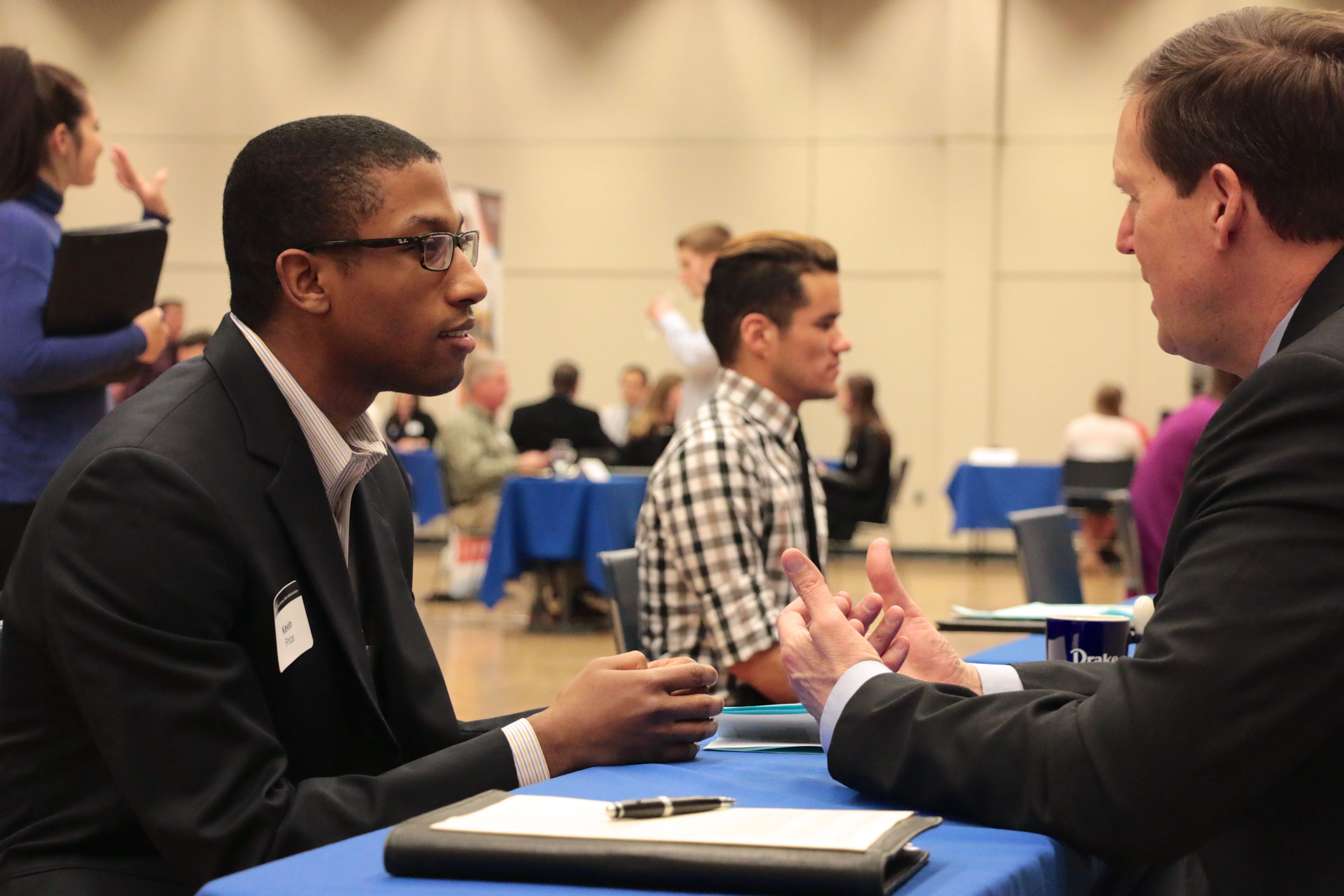 students attend marketing speed networking