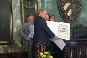 Neil Hamilton Receives Award