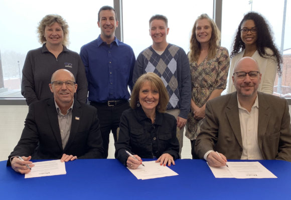Drake and DMACC Sign Partnership for Athletic Training Masters
