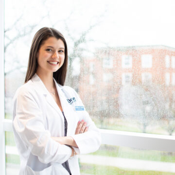 Tharp Receives National Good Government Student Pharmacist-of-the-Year Award