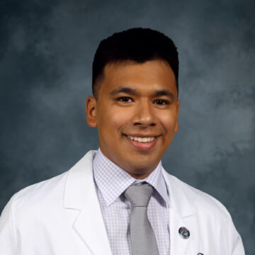 Flores Among 489 Applicants to Receive CVS Health Minority Scholarship